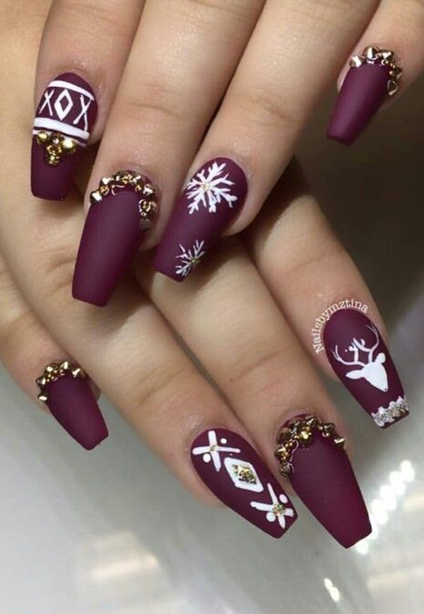 For This Winter You Will Love Coffin Nail Design Use White Enamel To Make Snowflakes And Reindeer Add Rhinestones The Golden Touch