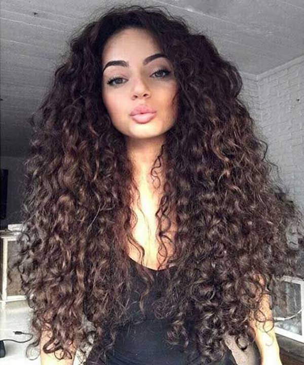 The Long Hair Looks Sexy And Voluminous With The Added Effect Of Small Curls.  An Everyday Hairstyle That Everyone Loves.