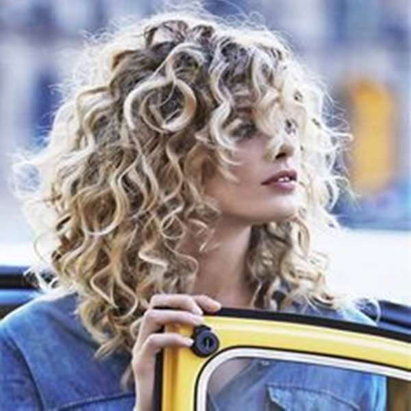 81 Stunning Curly Hairstyles For 2020 Short Medium Long Curly Hairstyles Style Easily