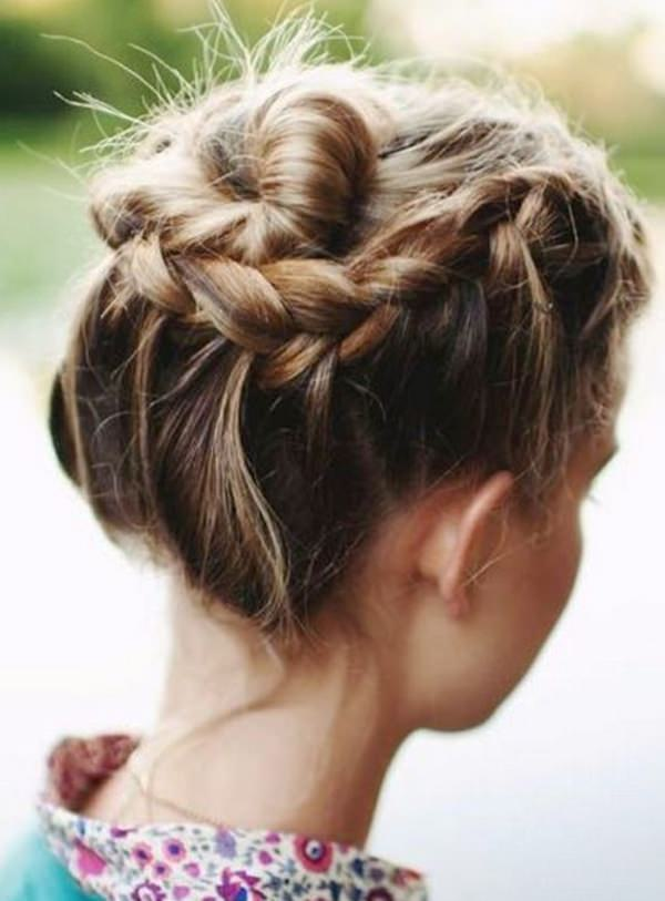 34 Effortless And Trendiest Hairdos For Short Hair Style Easily