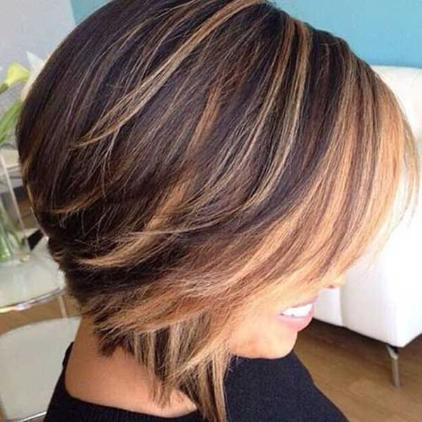 Brighten Up Your Hairstyle With Some Fun Highlights Short Stacked Bob Side Bangs At The Front Has All Dimension You Need