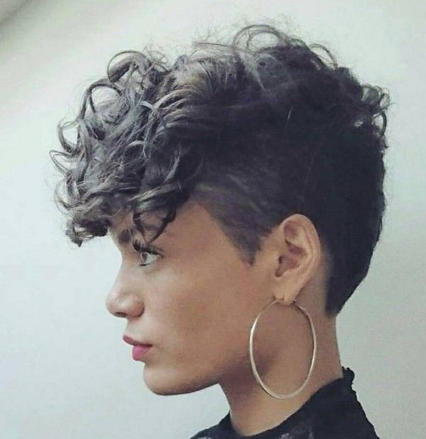 40 Amazing Short Hairstyles for girls that you can rock in 2018!