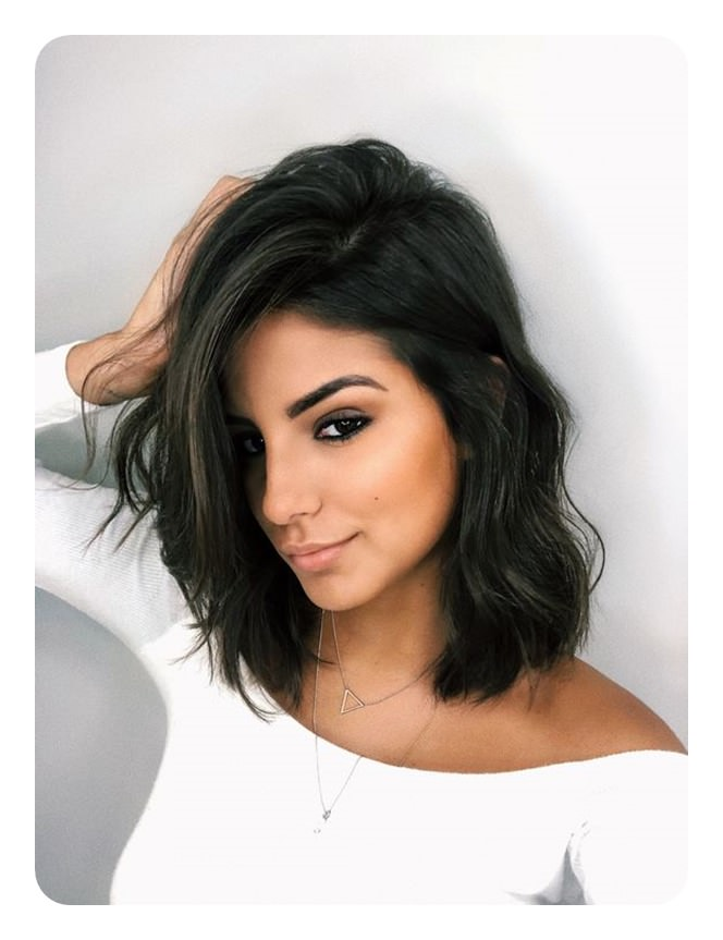 Blunt Bob Hairstyles Are Usually Worn By The Fine Hair To Show Off Its Lines And Sleekness It Makes Your Hair Look Healthy And Voluminous