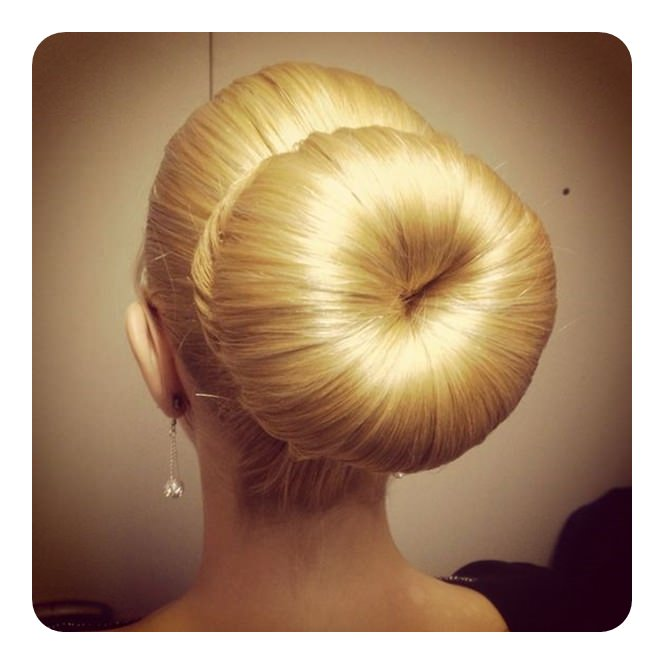 64 Easy Sock Bun Hairstyles You Should Definitely Try Style Easily